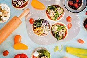 Augustus   Pizza versieren  Nunspeet